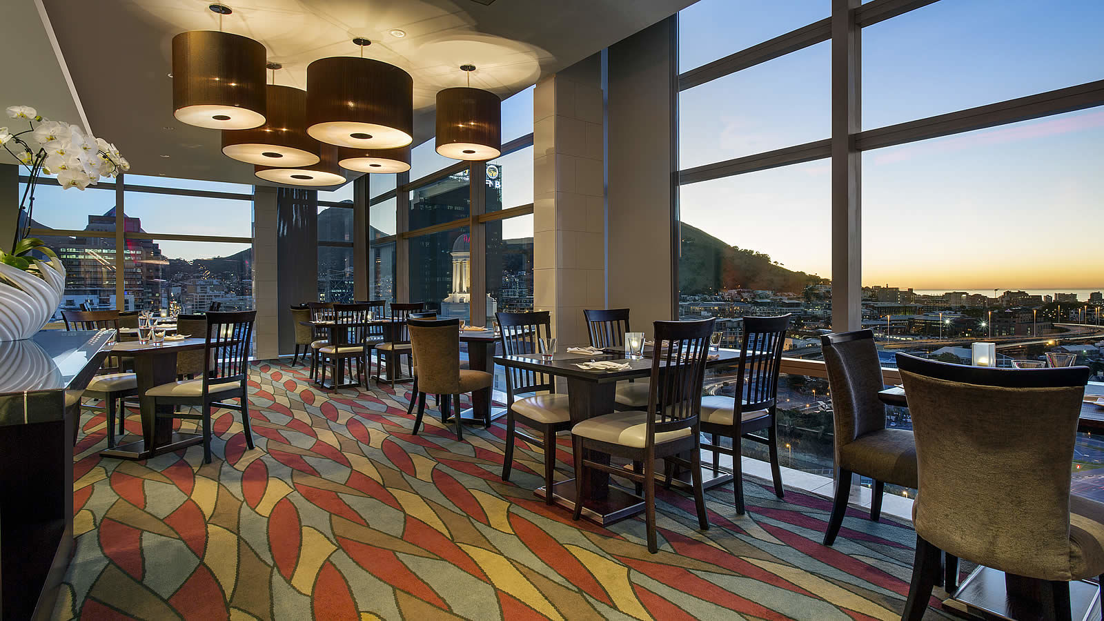 westin-cape-town-on19-restaurant-dining-area-view-1600-x-900-1